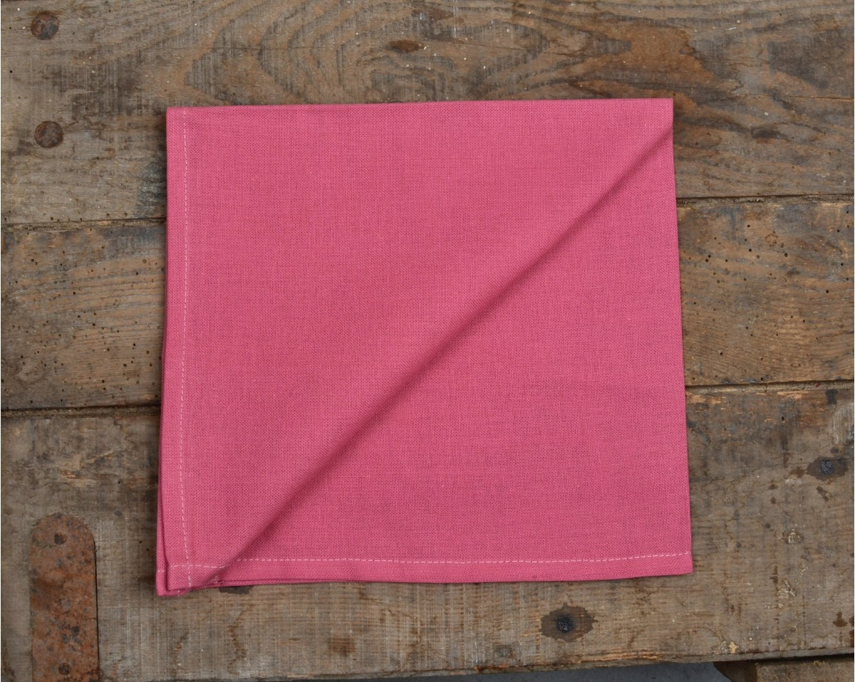 Serviette de table rose table de cuisine for Pliage serviette rose
